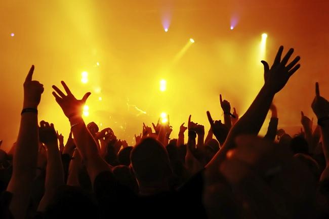 crowd-image-large